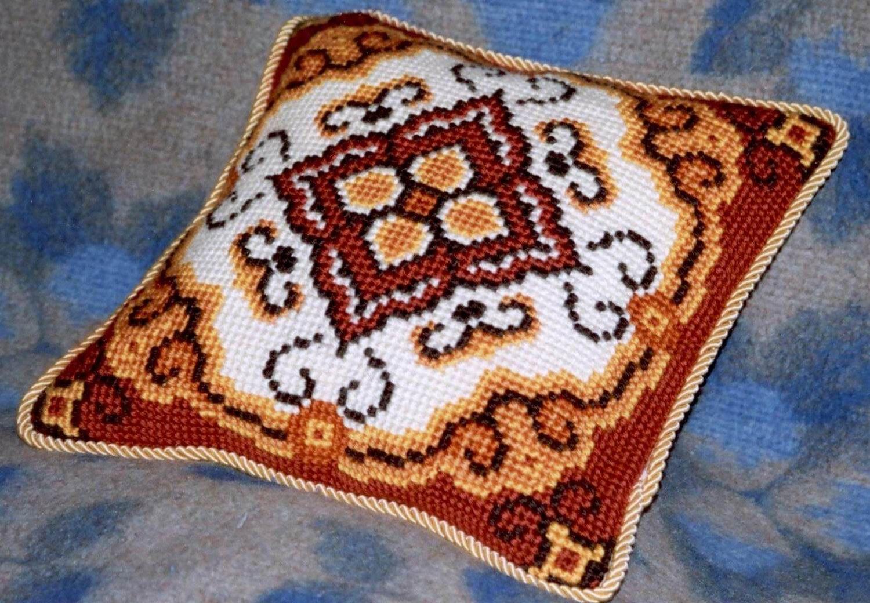 Вышивка восточные подушки